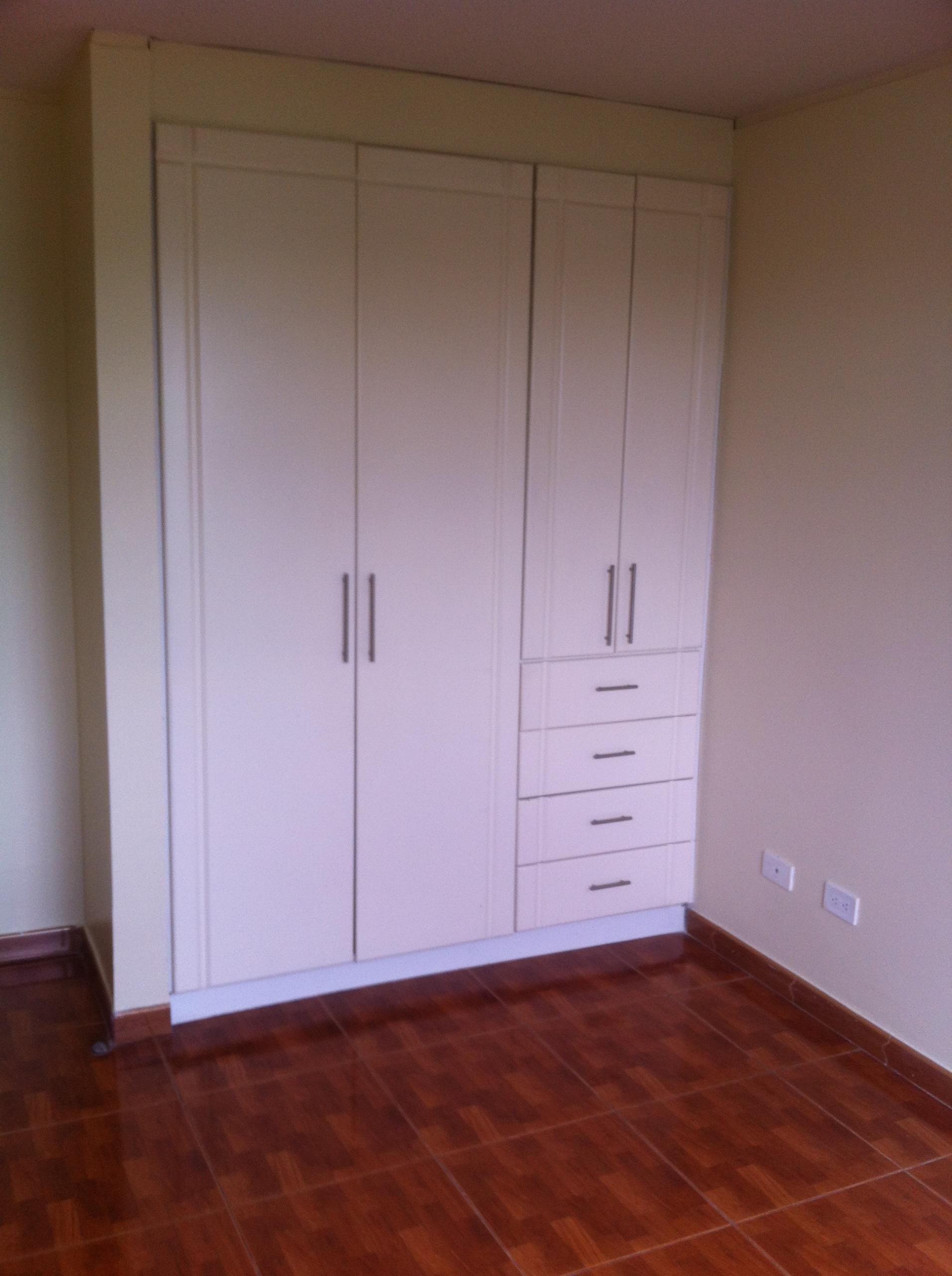 Dormitorios con closets scaled
