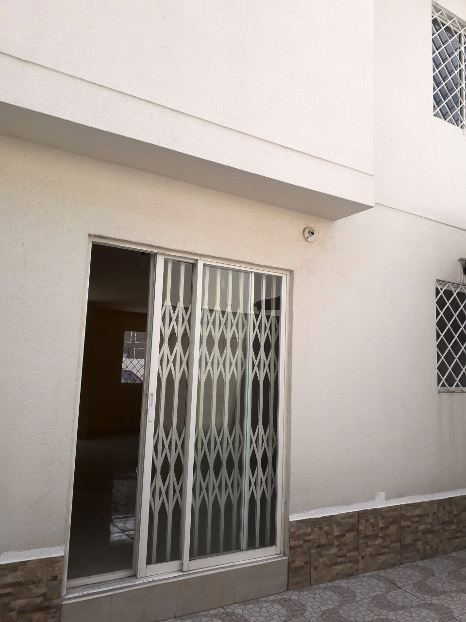 alquiler malaga meza 2 puerta patio